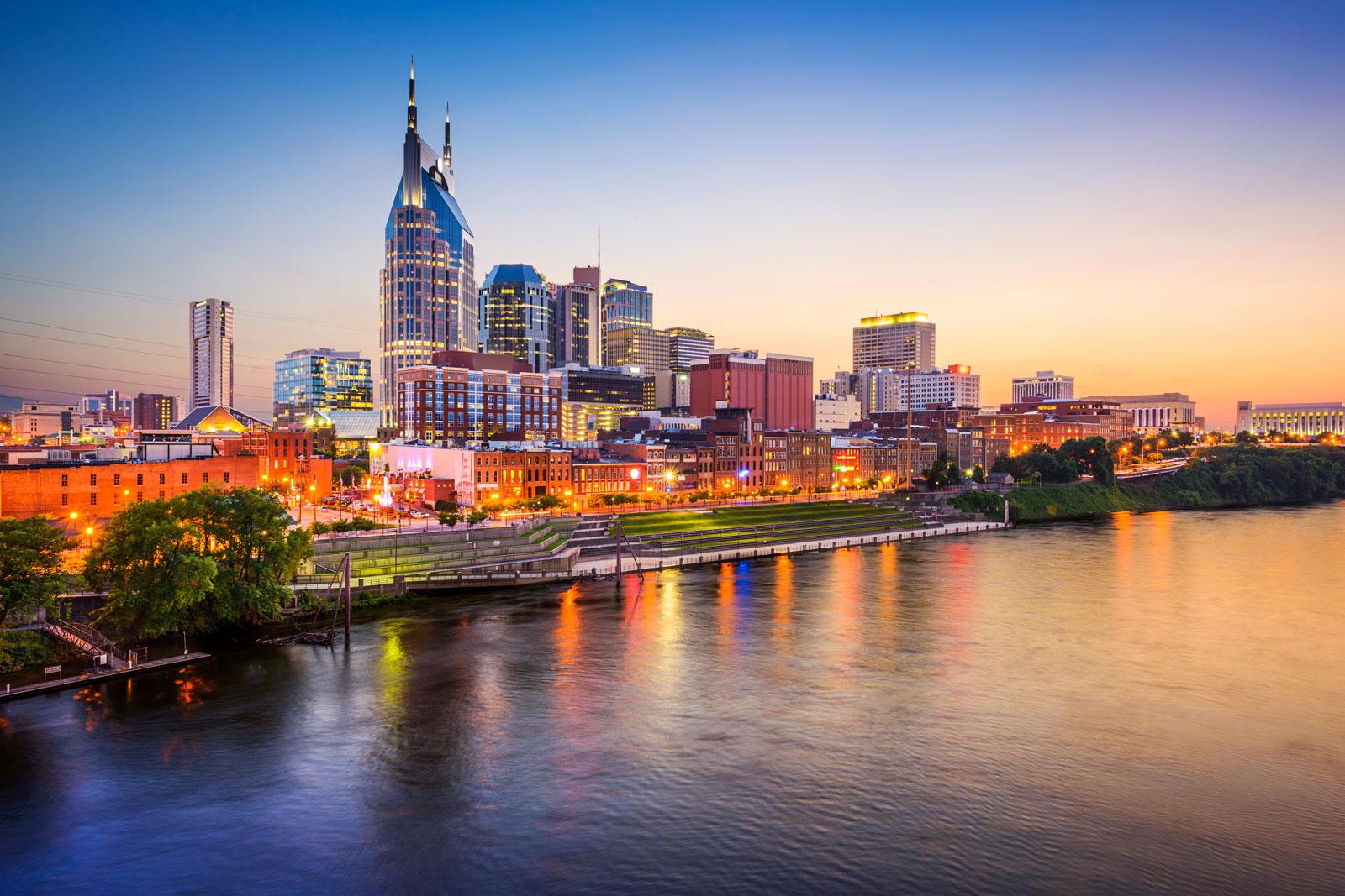 Skyline-Cumberland-River-Nashville